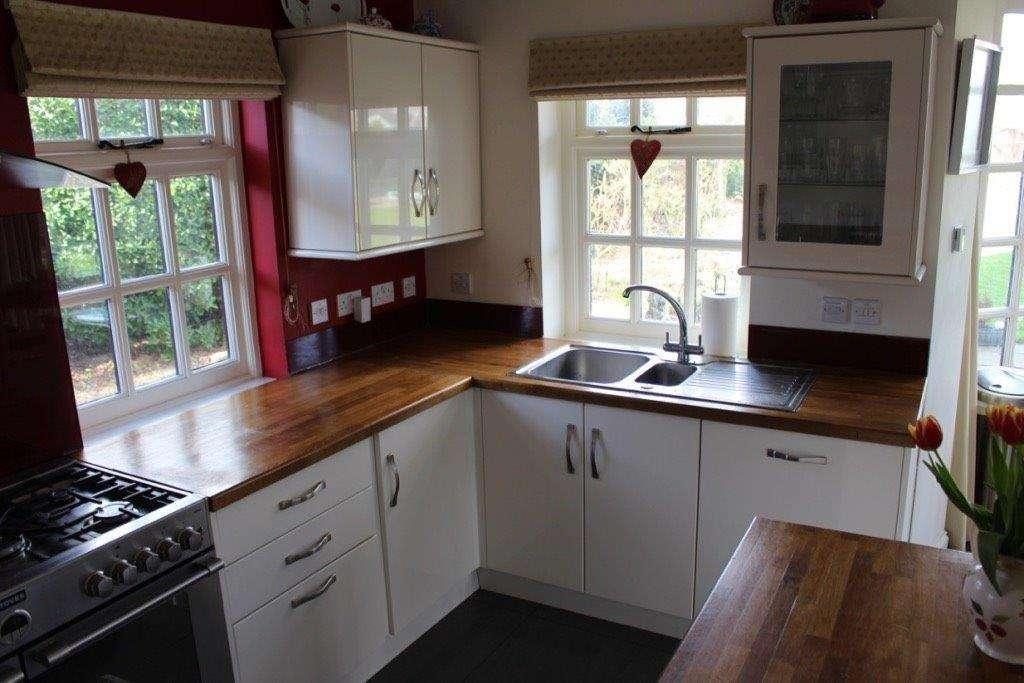 Gloss Kitchen Ivory Oak Worktops Appliances