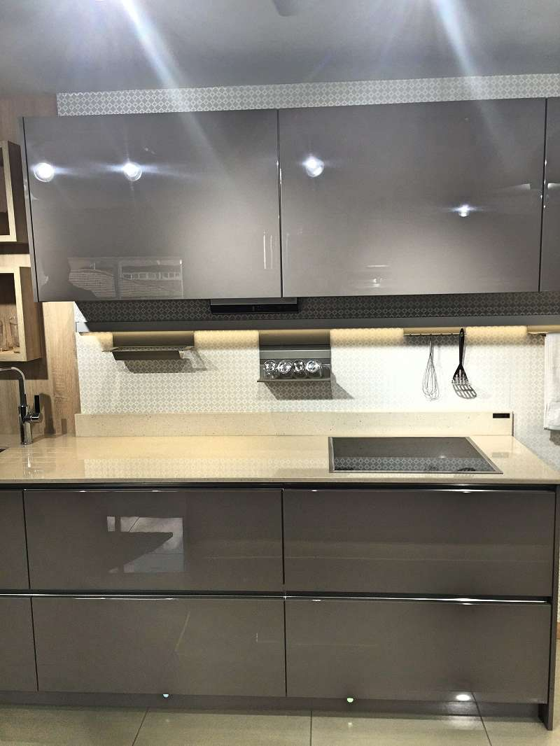 Hacker av4030 kitchen basalt grey natural oak units - Silestone showroom ...