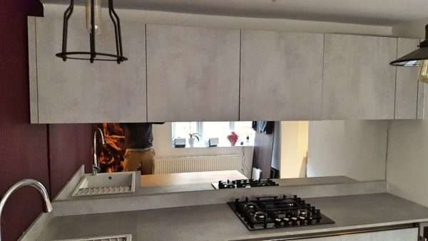 Arredo 3 Cement Grey Kitchen with Laminate Worktops & Bosch Appliances