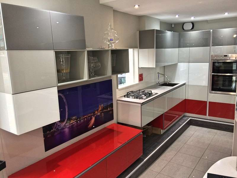 Scavolini tetrix modern red grey white glass units with for Scavolini prices