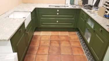 Beckermann OliveGreen lacquer with Verdi Granite Worktops