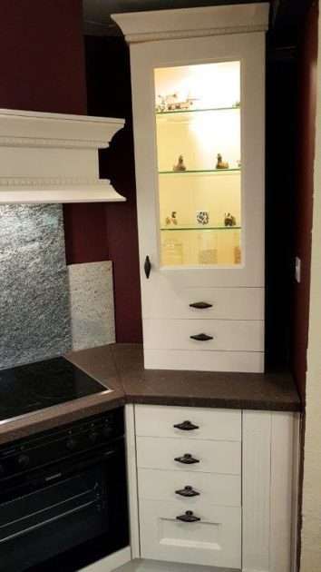 Shaker Solid Oak Doors with Vaneer Carcases Kitchen & Hammered Stone Worktops & Appliances