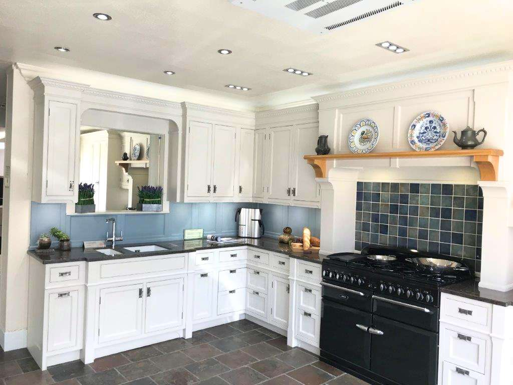 Charles Yorke Kitchen | Stretton Taupe In Frame, Hand Painted, Granite