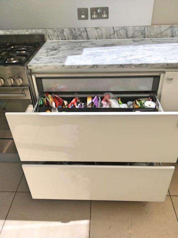 Biefbi Cucine Kitchen Gloss White with Marble Worktops, Appliances