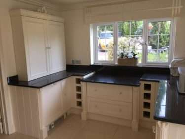 Bespoke Traditional Shaker Style White Kitchen with Granite Worktops & Appliances