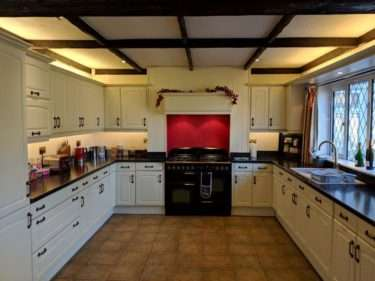 Large Traditional Shaker Style Kitchen with Appliances