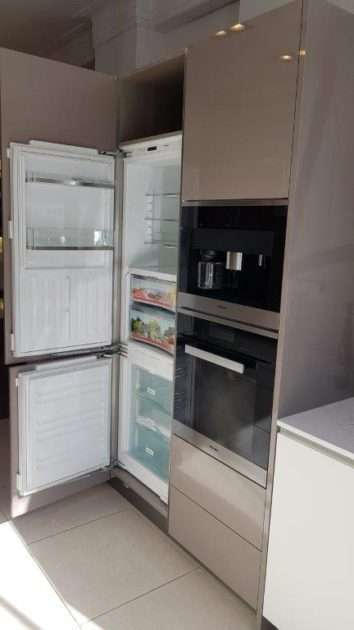 Hacker AV2030GL Handle Less Kitchen Basalt Grey, White Satin, Bespoke Glass