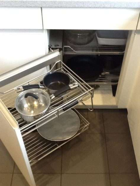 Hacker Systamat White Kitchen, Laminate Worktop, Siemens & Die Dietrich Appliances