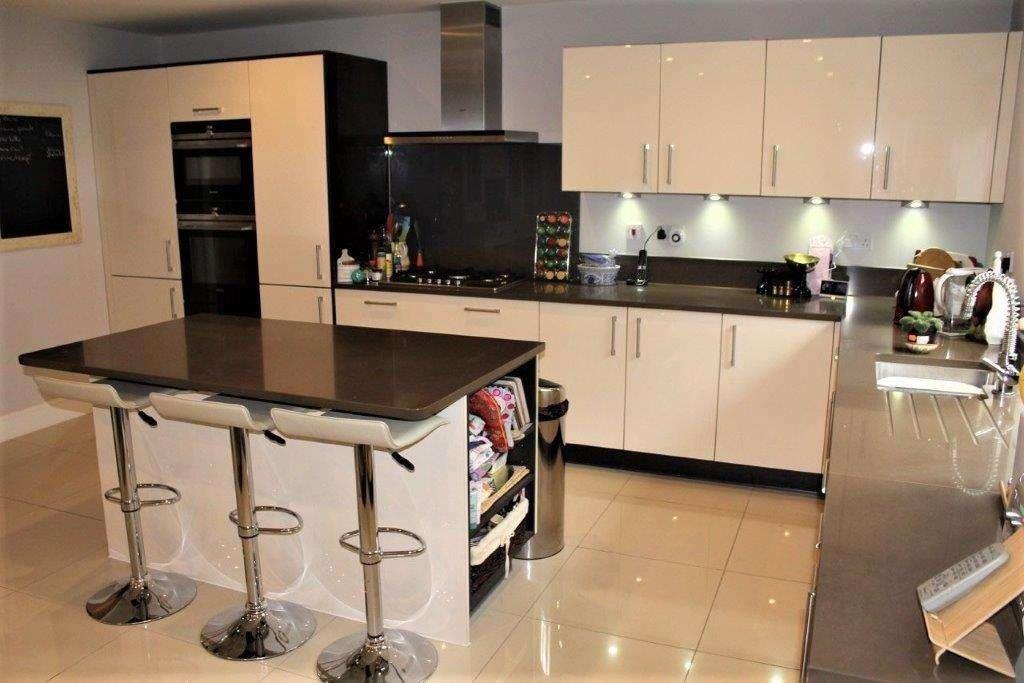 Hatt Kitchen Gloss Ivory Anthracite With Bruno Unistone Worktops Island Breakfast Bar 1018450