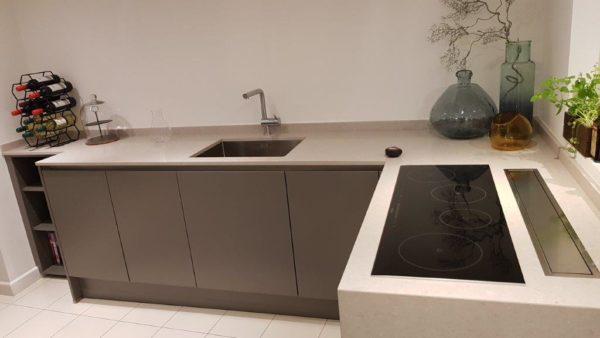 Poggenpohl Goldreif MH01 Handleless Kitchen