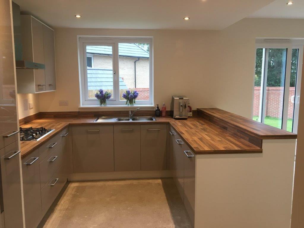 Gloss Matt Wood Kitchen Finishes: Symphony Cashmere Gloss Kitchen, Wood Effect Laminate
