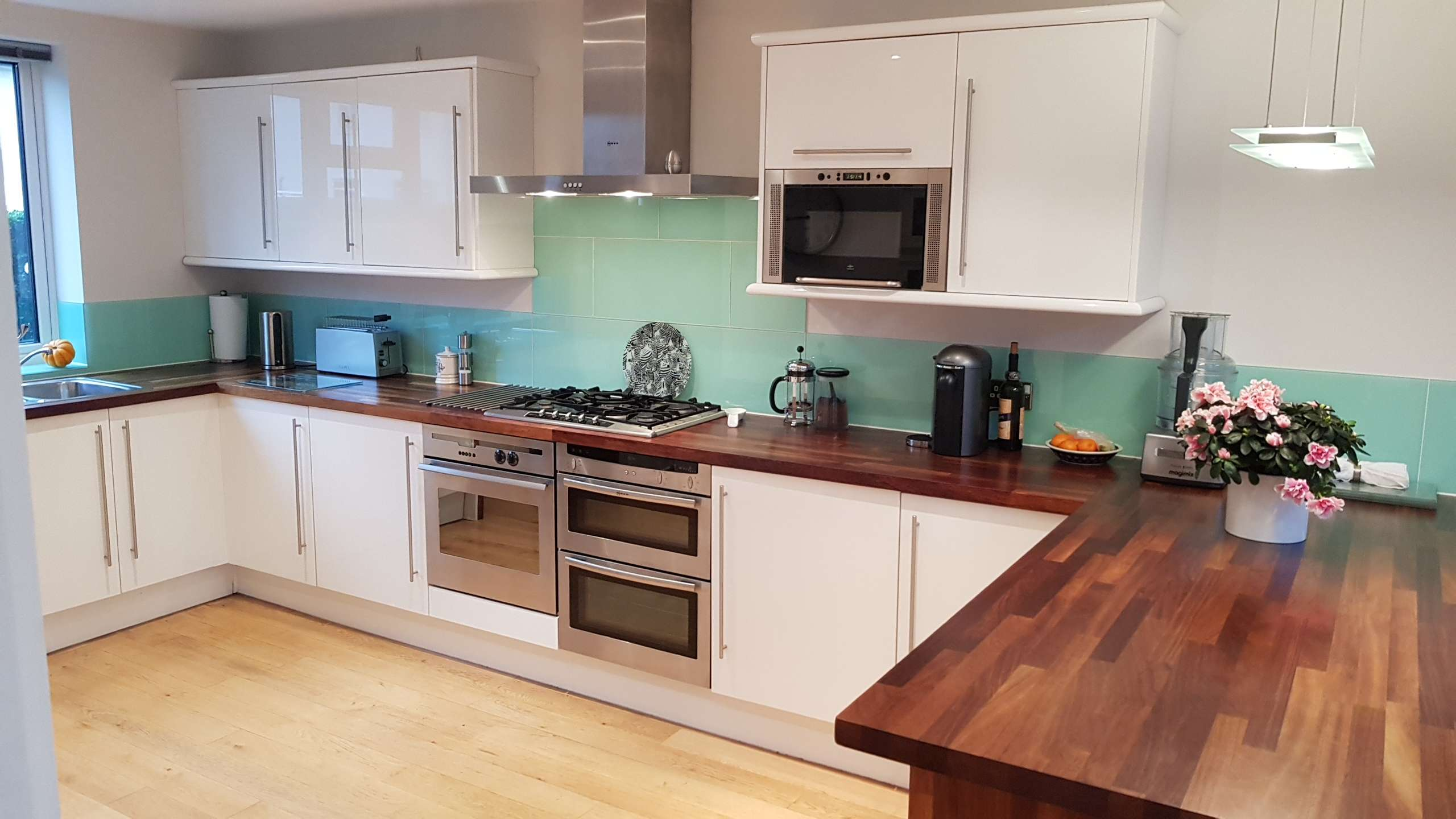 Ikea, Gloss White, Kitchen, Wooden Worktops, Neff Appliances