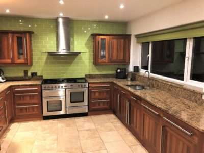 Magnet Shaker Wood Style Kitchen & Island Marble effect Granite Worktops with Appliances