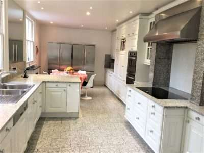 Large Siematic Shaker White Gloss Kitchen Lots of Appliances & Granite Worktops
