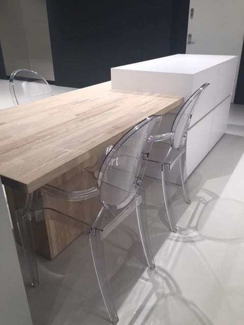 White Silestone Clad Island Solid Wood Table Amp Chairs