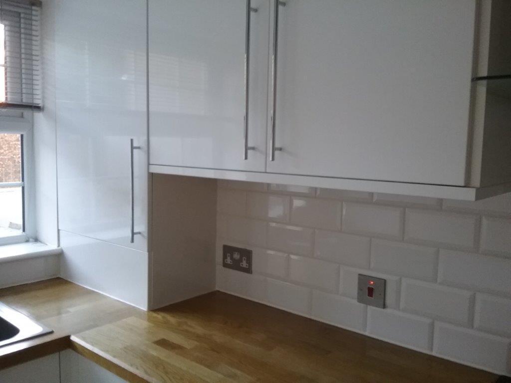 Gloss Matt Wood Kitchen Finishes: Modern White Gloss Kitchen Solid Wood Worktops, Apliances
