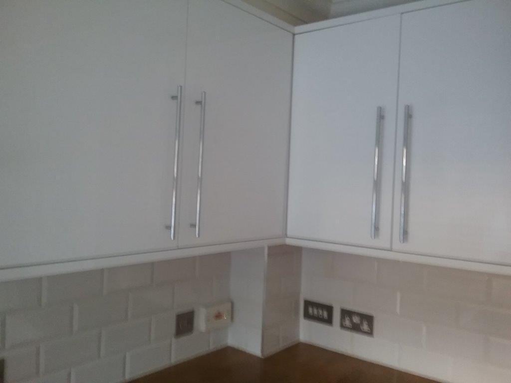 Modern White Gloss Kitchen Solid Wood Worktops Apliances