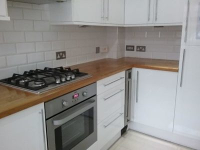 Modern White Gloss Kitchen Solid Wood Worktops & Appliances inc Wine Cooler