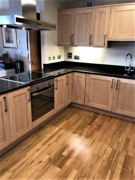Oak Veneer Shaker Kitchen Granite Worktops Plus Appliances