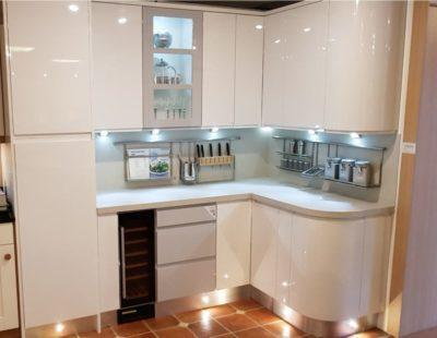 Lifestyle J Pull 2 Tone Kitchen, Encore Composite Worktops