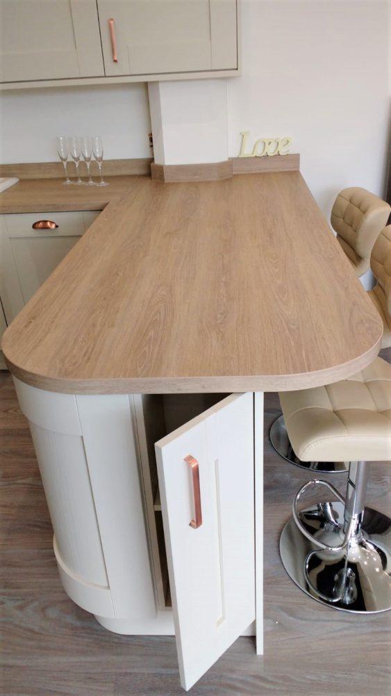 Modern Shaker Style Kitchen: Contemporary Shaker Style Kitchen, Appliances