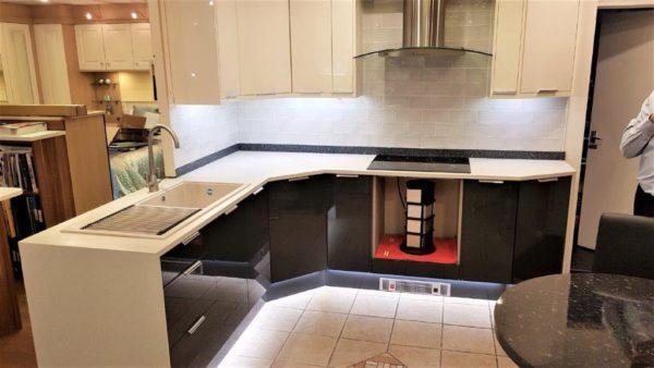 TKC 2 Tone Kitchen Vevo Gloss. Minerva Worktops Neff Appliance