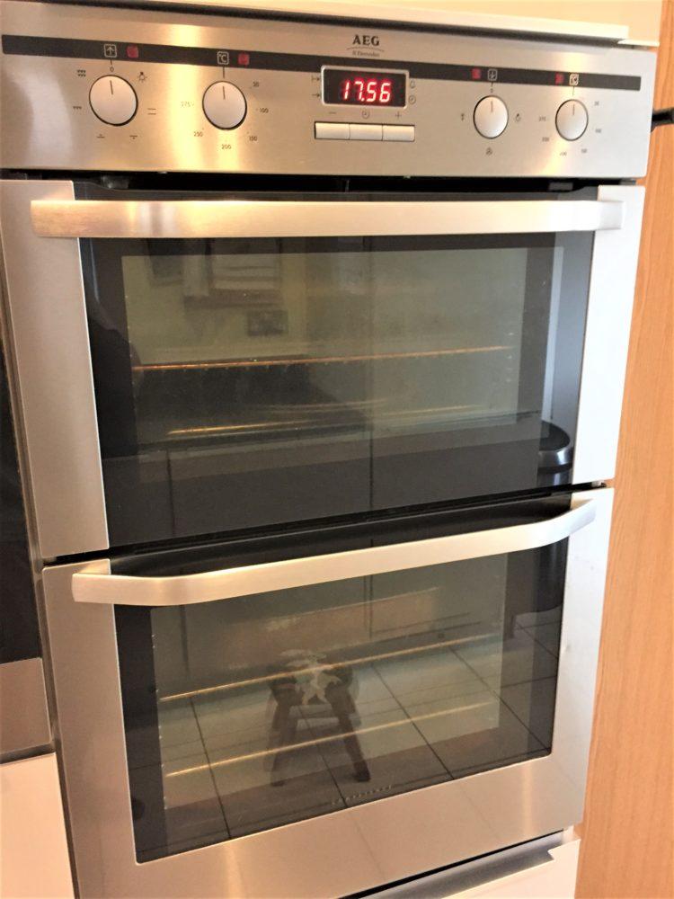 captivating beige gloss kitchen | Noblessa Gloss Kitchen, Black Granite Worktops, Appliances