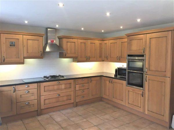 Wood Doors Traditional Country Style Pilaster Kitchen