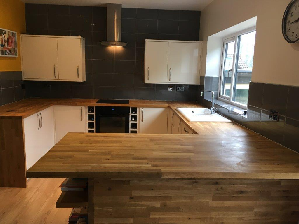 Howdens 2 Yrs Old Cream Gloss Kitchen Solid Oak Worktops