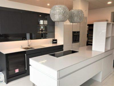 Leicht Advance Kitchen, Gloss White, Matt Carbon Grey, Platinum