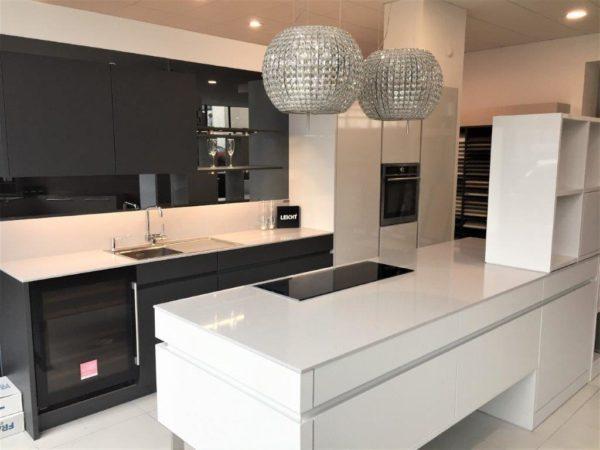 Leicht Advance Kitchen, Gloss White, Matt Carbon Grey, Platinum