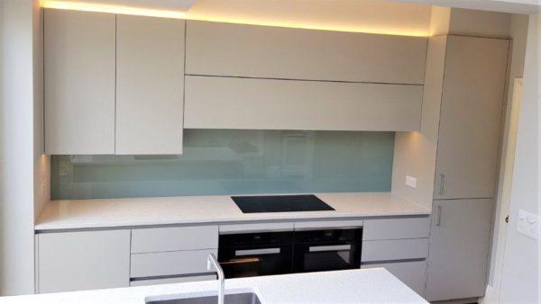 Roundhouse Kitchen & Island Urbo & Metro Matt Lacquer