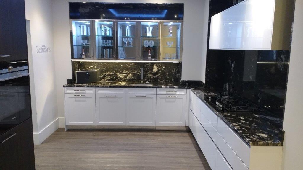 SieMatic Baux-Arts Kitchen, White Gloss Doors, Granite Worktops, Dornbracht  & Siemens Appliances 21119722