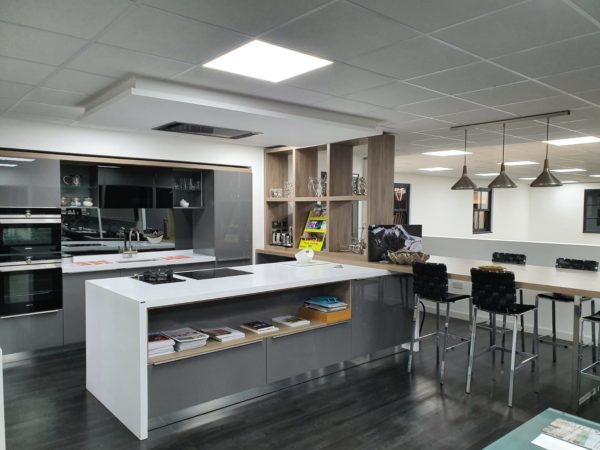 Pronorm Proline Onyx Grey Gloss & Elm Kitchen