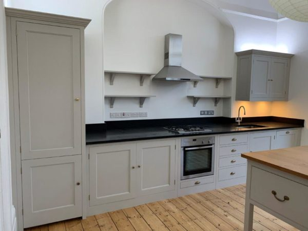 Modern Plain English Design Matt Grey Shaker Wood Door Dove Tail Drawers Kitchen & Island inc Appliances