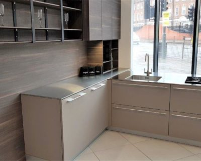 TLK Handless L Shaped Kitchen, Tabacco Laminated Wood, Barazza Steel Worktops, Sink & Gas Hob