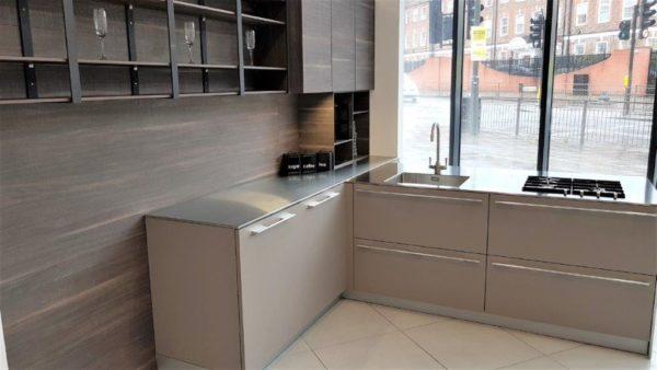 TLK Handless L Shaped Kitchen, Tabacco Laminated Wood, Barazza Steel Worktops, Sink & Gas Hob