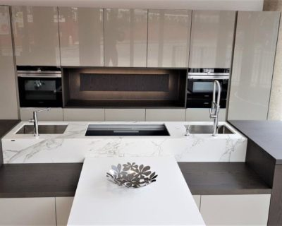 Miton Limha Kitchen with Corian Table, Grigio Veneer, Beige Kenia, Deckton Worktops, Siemens Appliances