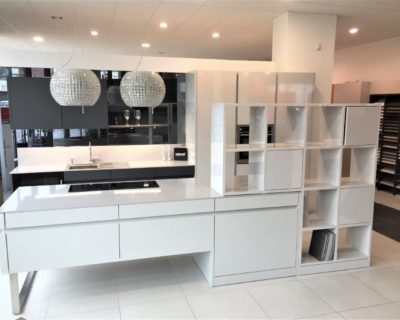 Leicht Advance Kitchen, Gloss White, Matt Carbon Grey, Platinum La (1)