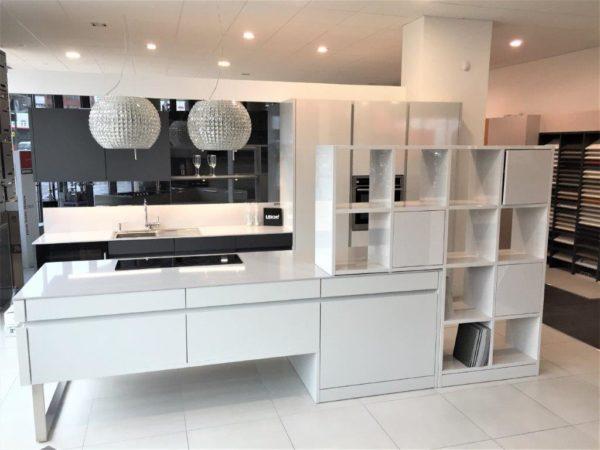 Leicht Advance Kitchen, Gloss White, Matt Carbon Grey, Platinum La (1)