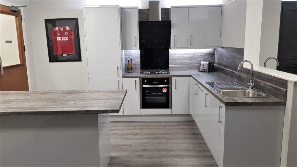 Kompact Slab Light Grey Gloss Kitchen Wood Effect Laminate Appliances