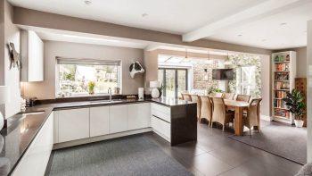 Large Alno Glacier White Gloss Modern Handleless Kitchen