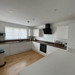 White Gloss Handleless Kitchen, Solid Wood Worktops Beko Appliances