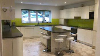 Large Modern White Gloss J Handle Kitchen & Island Appliances