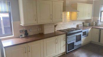 Cream Matt Shaker Kitchen with Utility Room & Appliances