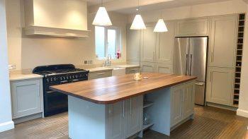 Mereway Grey Shaker Wood Door Handpainted Kitchen & Island