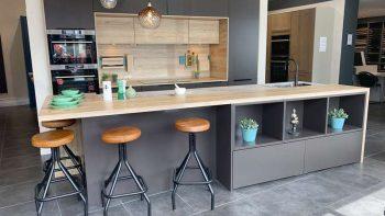 Ex Display Schmidt Arcos Loft Micron Warm Brown & Vintage Oak Kitchen & Island