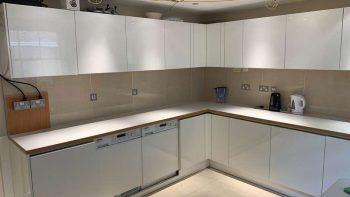 Off White Gloss Modern Handleless Kitchen Worktops