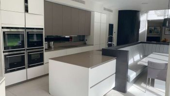 Large Hacker Kitchen & Island with Dining area & Appliances